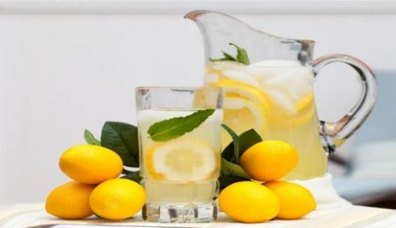 manfaat-mengkonsumsi-air-lemon-di-pagi-hari